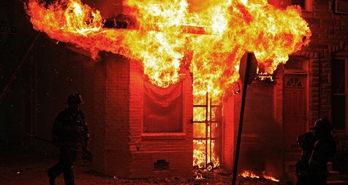 Вцентре Тбилиси сгорели «Детский мир» ипавильон рынка ювелирных изделий