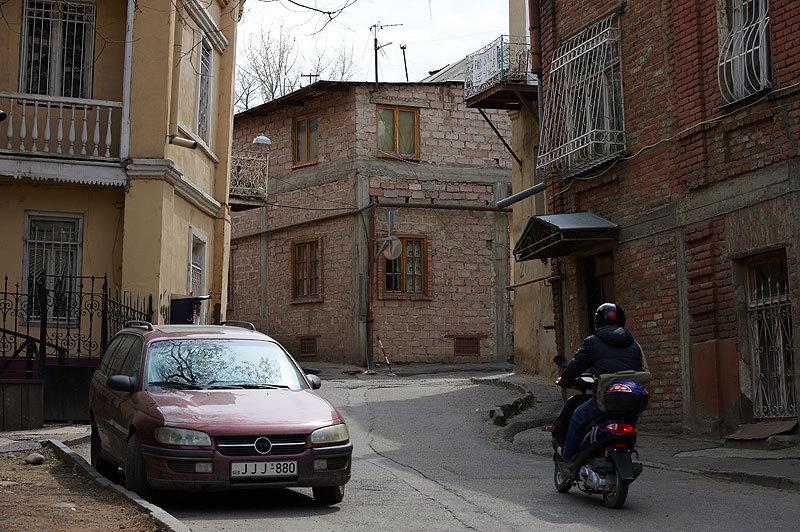 старые улицы Тбилиси, день