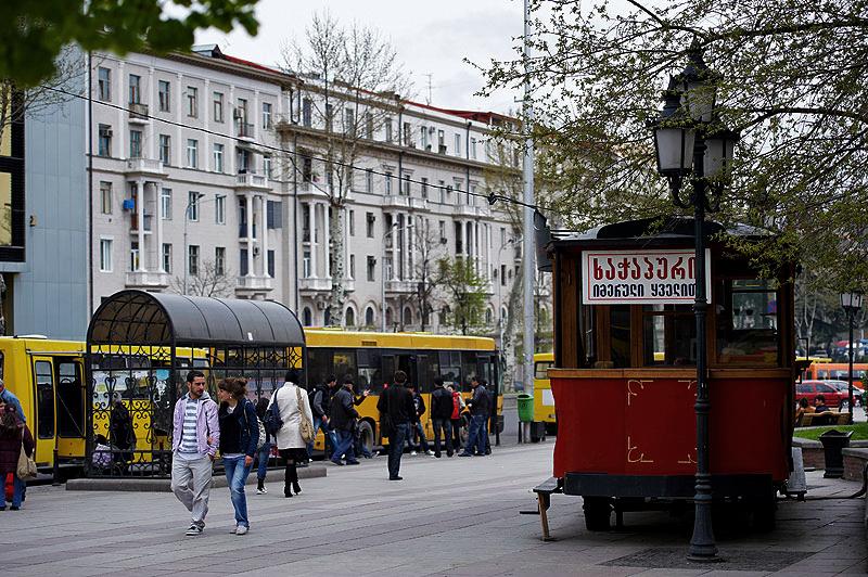 старый Тбилиси, автобусная остановка