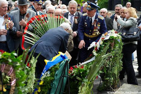 возложение венков к могиле Неизвестного солдата, 9 мая