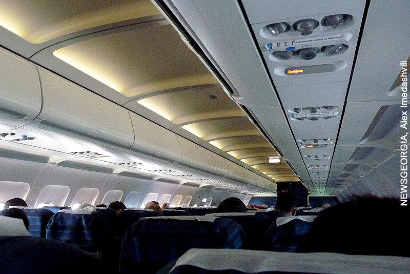 пассажирский самолет, авиасообщение