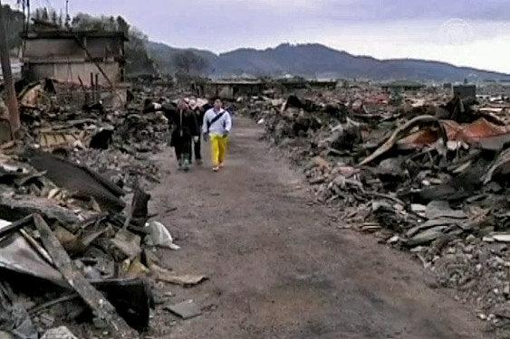 цунами и землетрясение Япония