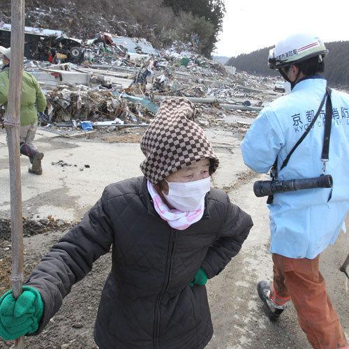 цунами землетрясение Япония