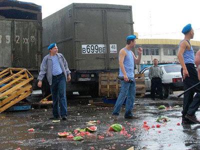 рынок десантники драка инцидент