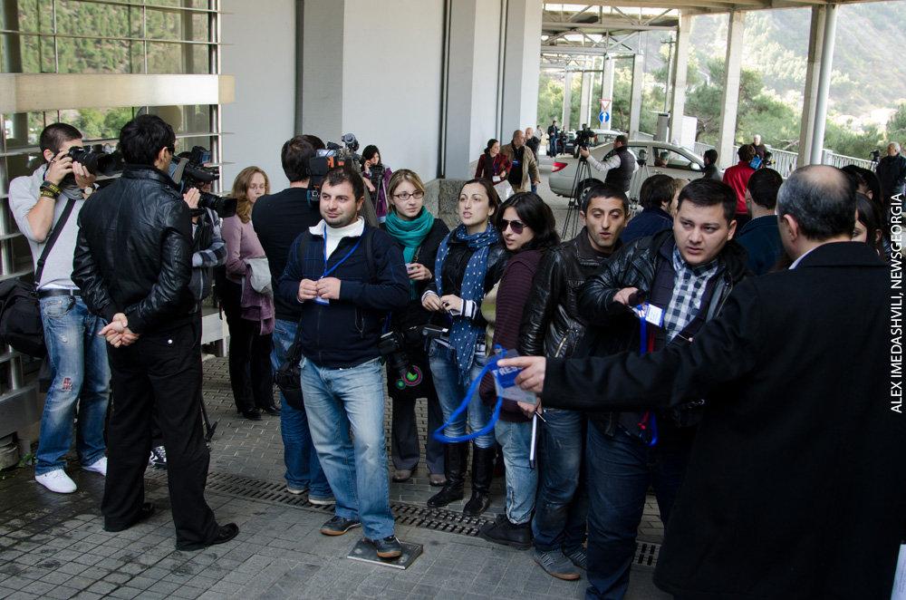 резиденция Иванишвили журналисты