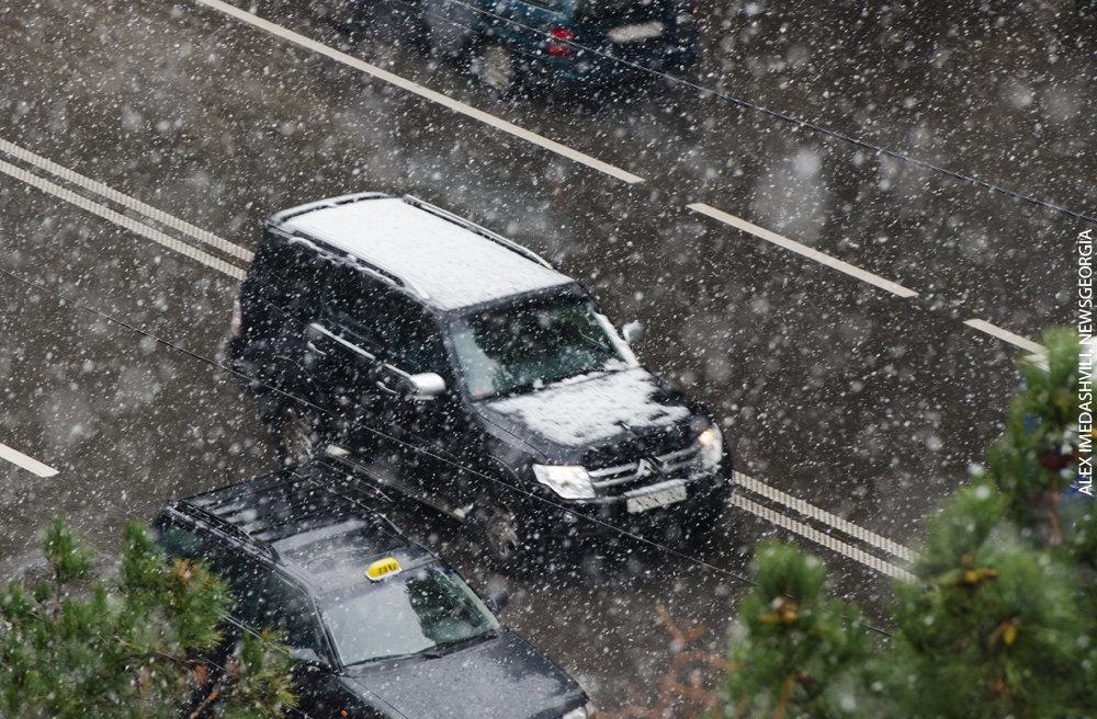 снег зима снегопад дороги