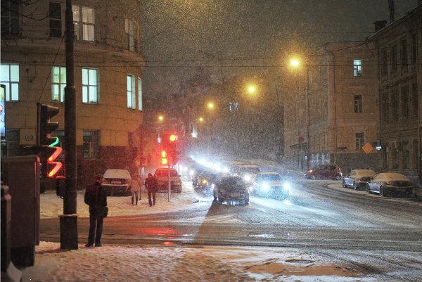 Москва снег снегопад