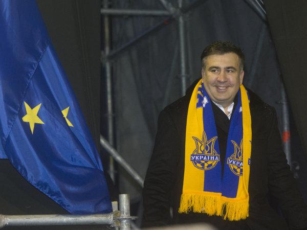 Экс-президент Грузии Михаил Саакашвили, который прибыл на Украину в составе группы европейских парламентариев, со сторонниками евроинтеграции на площади Независимости.