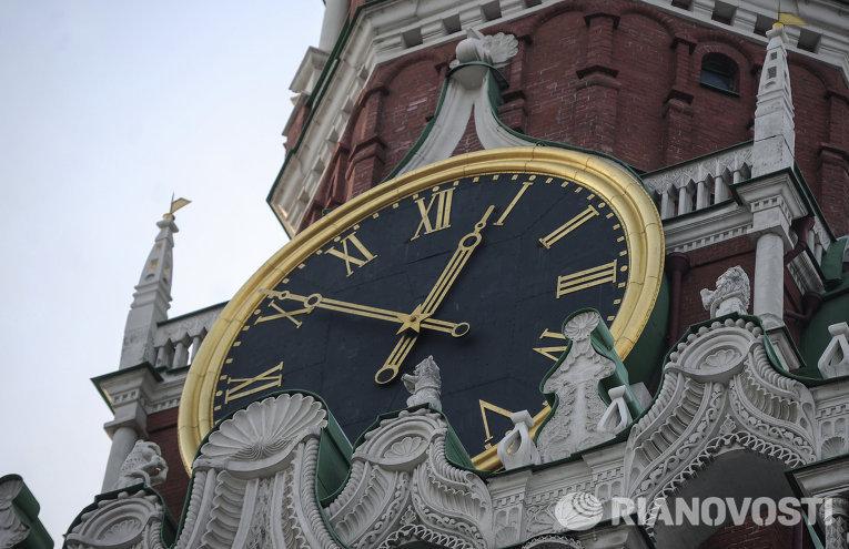 куранты на Спасской башне Кремль