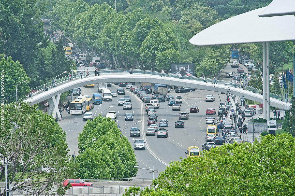 Тбилиси, дороги, транспорт, облачно, день