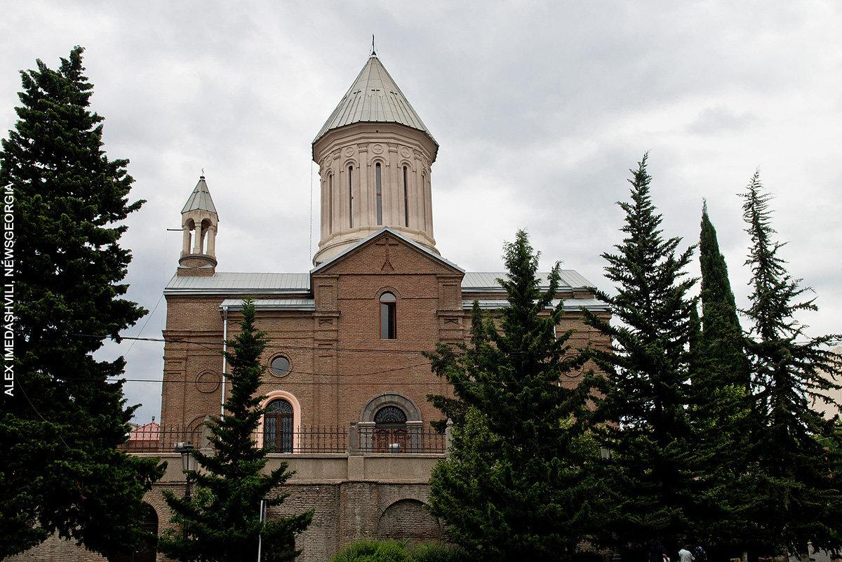 армянская церковь Сурб Эчмиадзин
