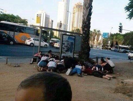 На юге государства Израиль во время воздушной тревоги.