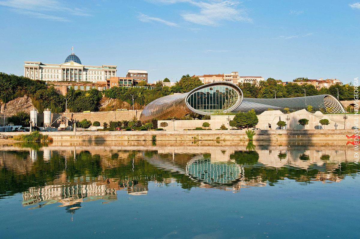 президентский дворец и новый концертный зал, Тбилиси