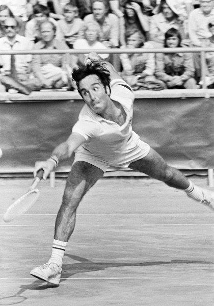 Заслуженный мастер спорта СССР по теннису Александр Метревели. 1979 г.