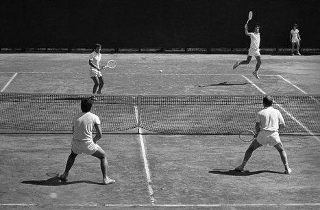 Неоднократные чемпионы СССР в парном разряде, заслуженные мастера спорта Теймураз Какулия (слева) и Александр Метревели. 1980 г.