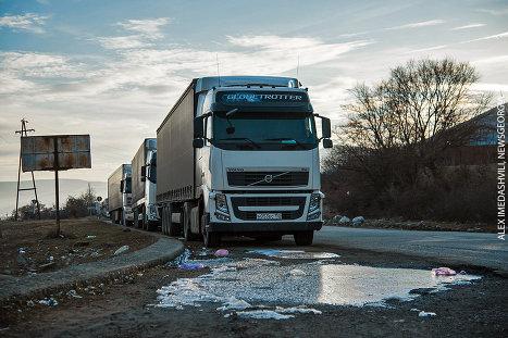 грузовики грузовые машины транспорт