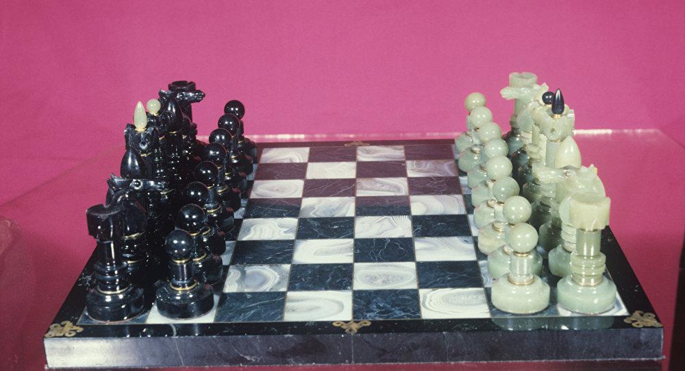 Шахматы из нефрита