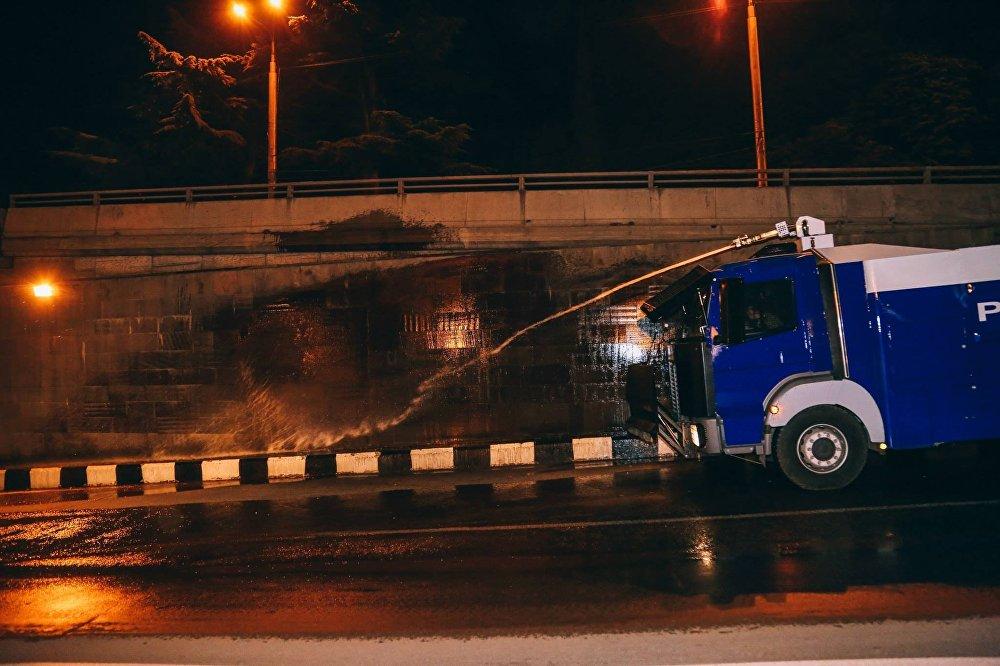 Уборка центральных магистралей Тбилиси.