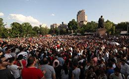 Участники масштабной акции протеста против повышения тарифов на электроэнергию.