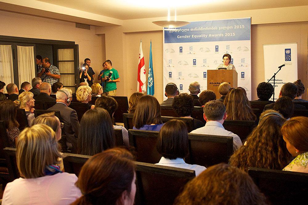 Четвертый год подряд под эгидой ООН в Грузии проводится конкурс на лучшие достижения в сфере защиты прав женщин и обеспечение гендерного равноправия.
