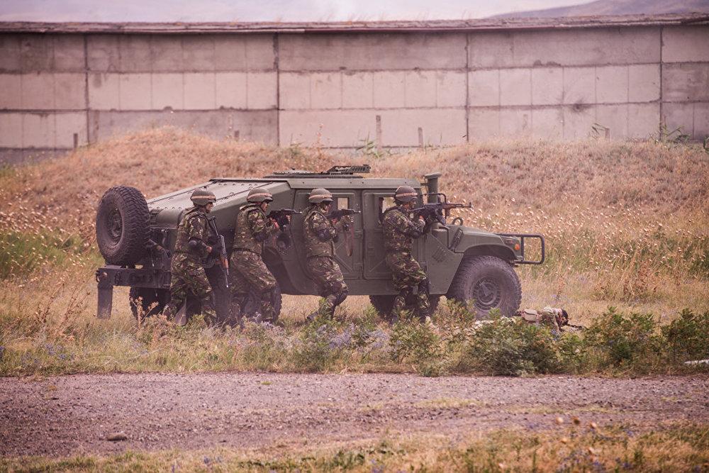 Во вторник на базе в Вазиани (неподалеку от Тбилиси) состоялся показательный бой в рамках международных учений Agile Spirit.