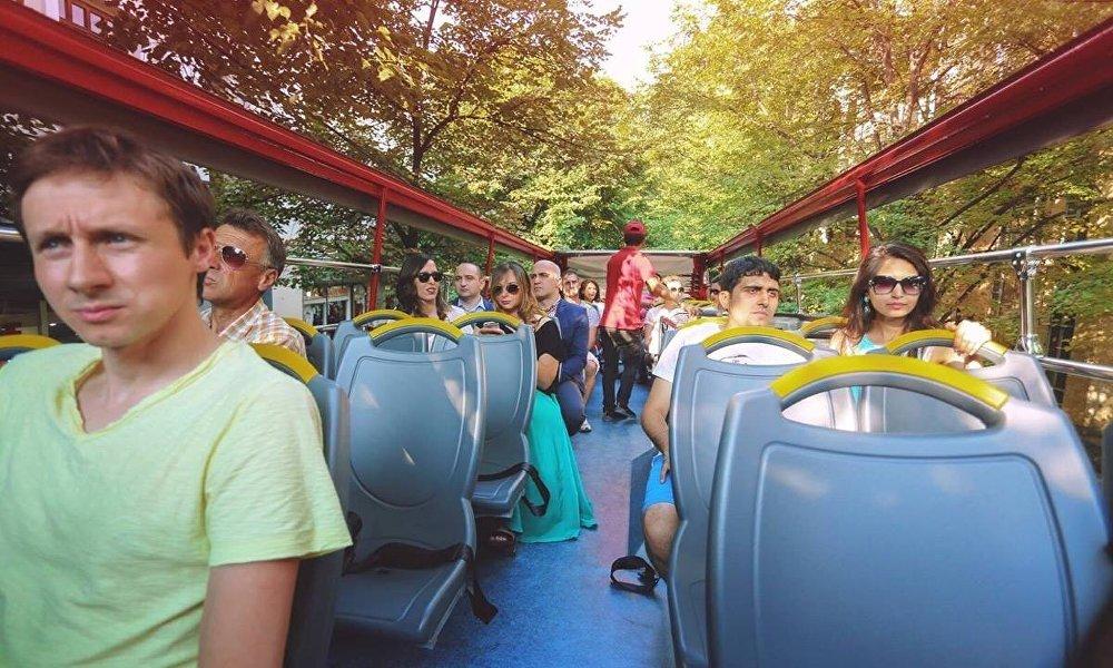 В ходе прогулок по Тбилиси туристов ждут приятные сюрпризы и знакомство с грузинскими традициями.