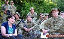 Министр обороны Тинатин Хидашели и грузинские военные