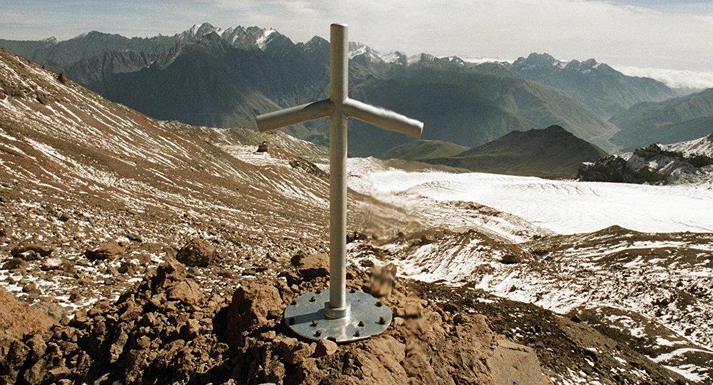 Крест в честь святой Нино
