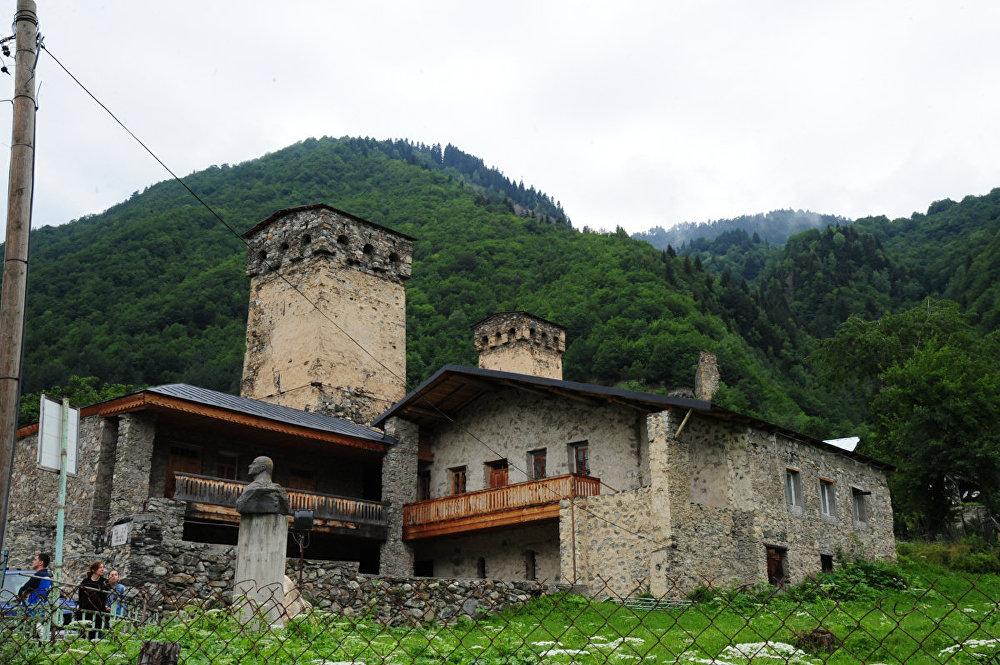 Дом музей знаменитого альпиниста Михаила Хергиани, получивший в Англии прозвище «Тигр скал».
