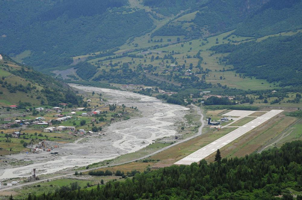 Аэропорт в Местия, Сванетия.