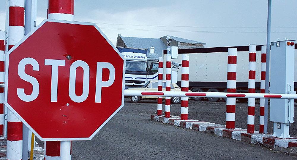 俄滨海边疆区中俄边境车辆检查站在中国国庆节期间关闭