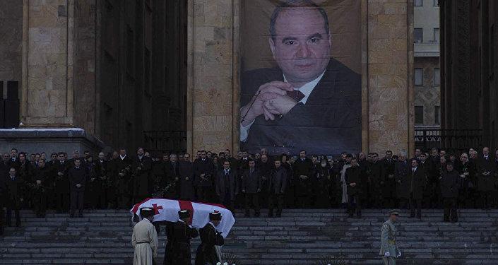 Похороны премьер-министра Грузии Зураба Жвания. Архивное фото