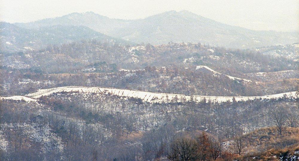 Корея. Демилитаризованная зона в селении Пханмунджом