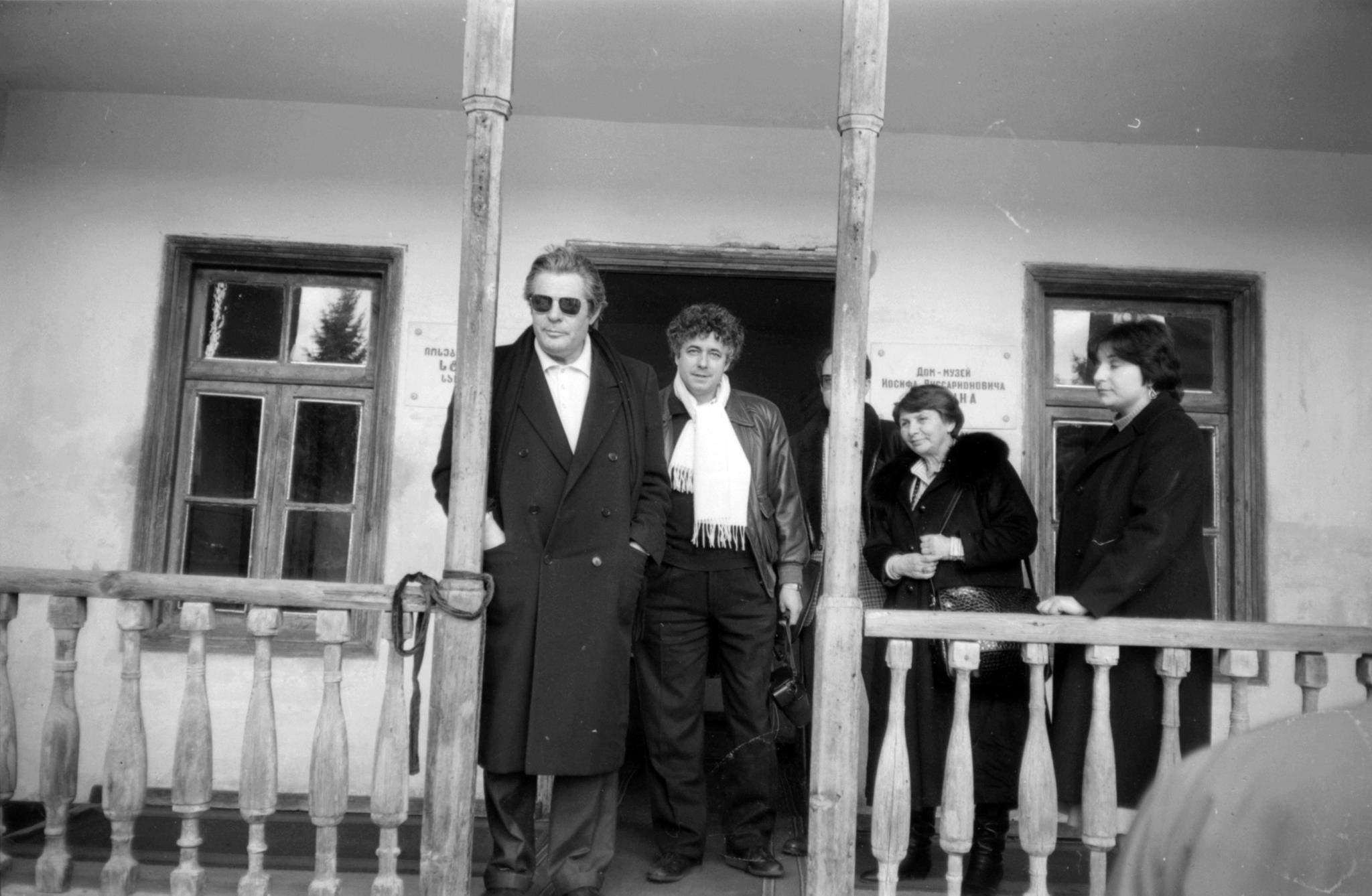Марчелло Мастроянни в Гори, в доме-музее Сталина