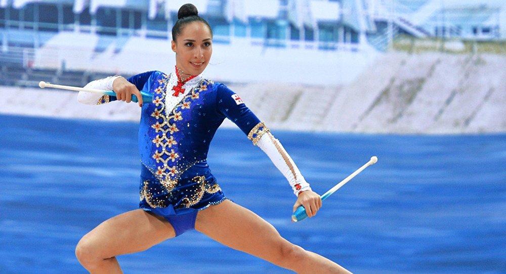 Художественная гимнастика. Саломе Пажава (Грузия) выполняет упражнения с булавами