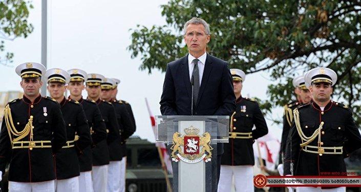 Йенс Столтенберг, открытие центра НАТО