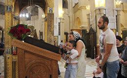 """В церквях Грузии верующие отметили праздник """"Мариамоба"""""""