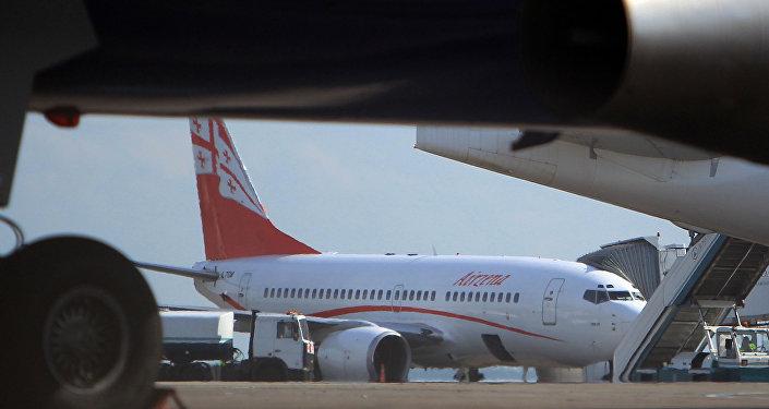 Самолет частной грузинской авиакомпании Airzena - Georgian Airways