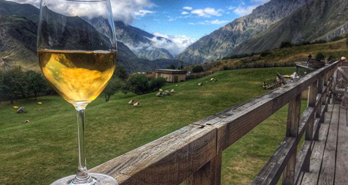 ქართული ღვინო და მთები