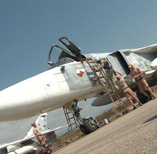 Авиатехники на аэродроме в Сирии проверили Су-34 и Су-24M перед вылетом