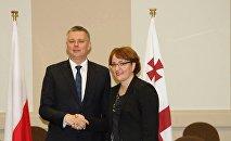 Министр обороны Грузии Тинатин Хидашели и ее польский Томаш Семоняк