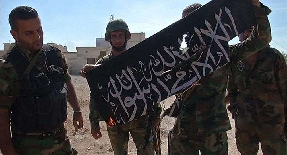 Освобождение Атшана в Сирии: ликующие солдаты сожгли флаг боевиков