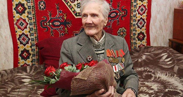 Долгожителей Тбилиси поздравил мэр города