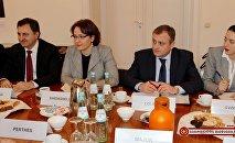 Министр обороны Грузии провела встречу с немецкими экспертами
