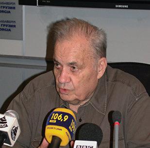 Кинорежиссер Эльдар Рязанов в Тбилиси