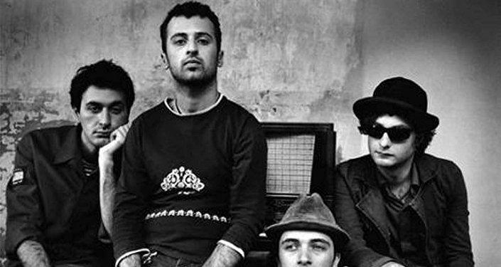Ника Кочаров и его альтернативная рок-группа Young Georgian Lolitas