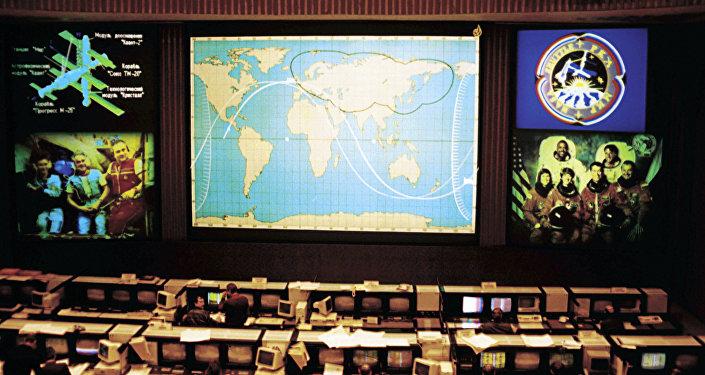 Космических туристов покатают вокруг Луны на«Союзе»
