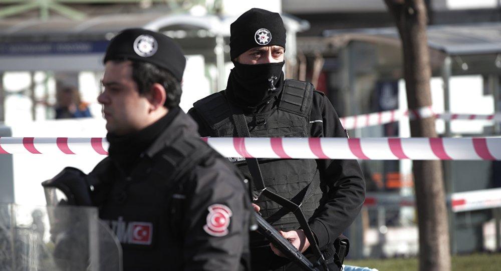 Турецкие полицейские, архивное фото
