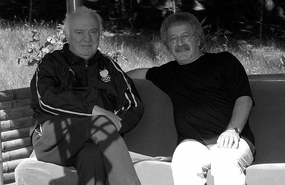 Эдуард Шеварднадзе с фотографом Серго Эдишерашвили.