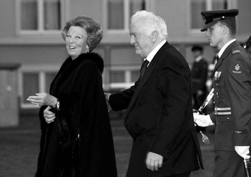 Шеварднадзе занимал пост министра иностранных дел СССР в 1985-1990 годах. Завоевал большую популярность на Западе. Часто выступал с лекциями в зарубежных университетах.